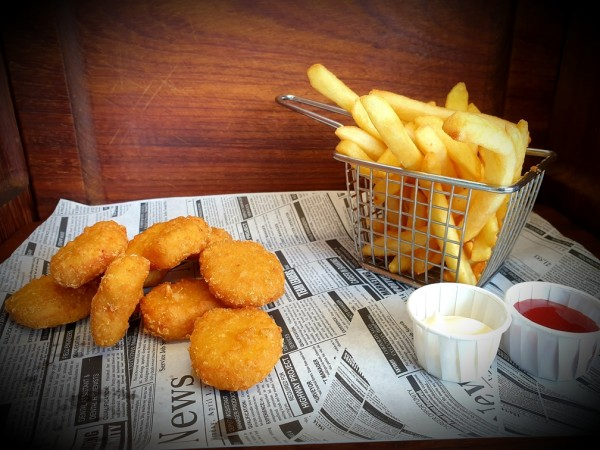 Chicken Nuggets inkl. Pommes